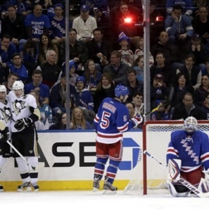 Game 2: Penguins Power Past Rags, Start Season 2-0